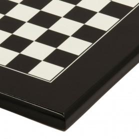 Handgemachtes Schachbrett aus lackiertem Holz schwarz und weiß