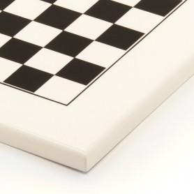 Handgemachtes Schachbrett aus lackiertem Holz weiß und schwarz