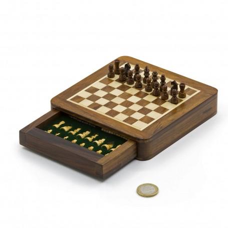 Magnetisches quadratisches Schachspiel mit Schachfiguren und Kasten aus Naturholz