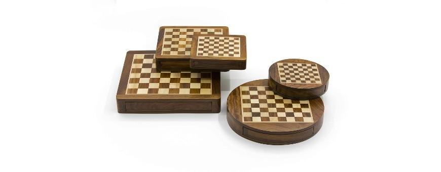 Magnetische Schachsätze aus Holz